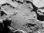 Una piramide sulla cometa 67P/Churyumov-Gerasimenko