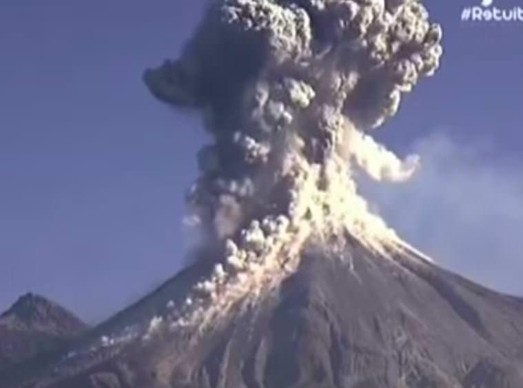 Eruzione vulcano Colima, Messico, video dell'imponente esplosione  - frame Youtube