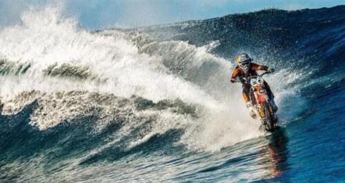 Moto surf di Robbie Maddison