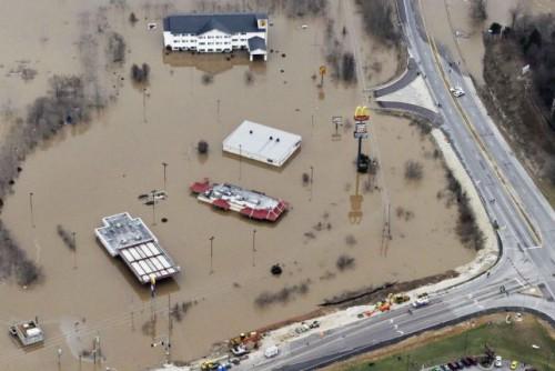 Alluvioni negli Stati Uniti, in Missouri il bilancio sale a 20 vittime, 50 i morti complessivi