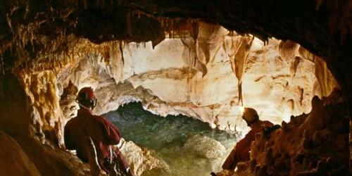 Pozzo della Neve, la grotta dalla profondità di oltre 1.000 metri