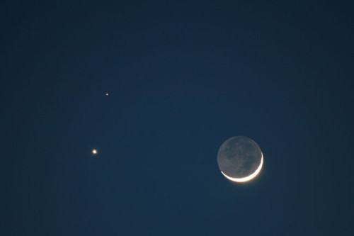 Astronomia: poche ore dalla congiunzione tra Luna e Marte