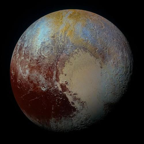 Un enorme oceano liquido nascosto nelle viscere di Plutone?