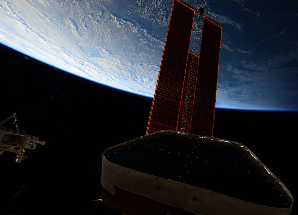 Stazione Spaziale Internazionale esce dal cono d'ombra - foto di Samantha Cristoforetti
