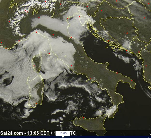 Nebbie e nubi basse al Centro-Nord - sat24.com