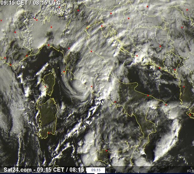 Landfall del ciclone mediterraneo sul Lazio - sat24.com