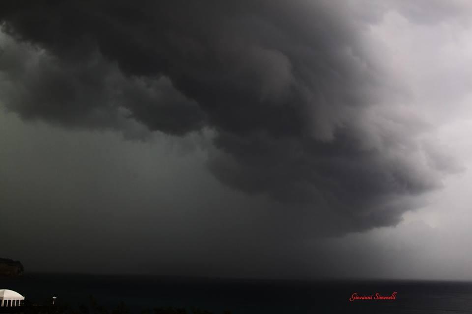 Shelf cloud su Tropea - Giovanni Simonelli
