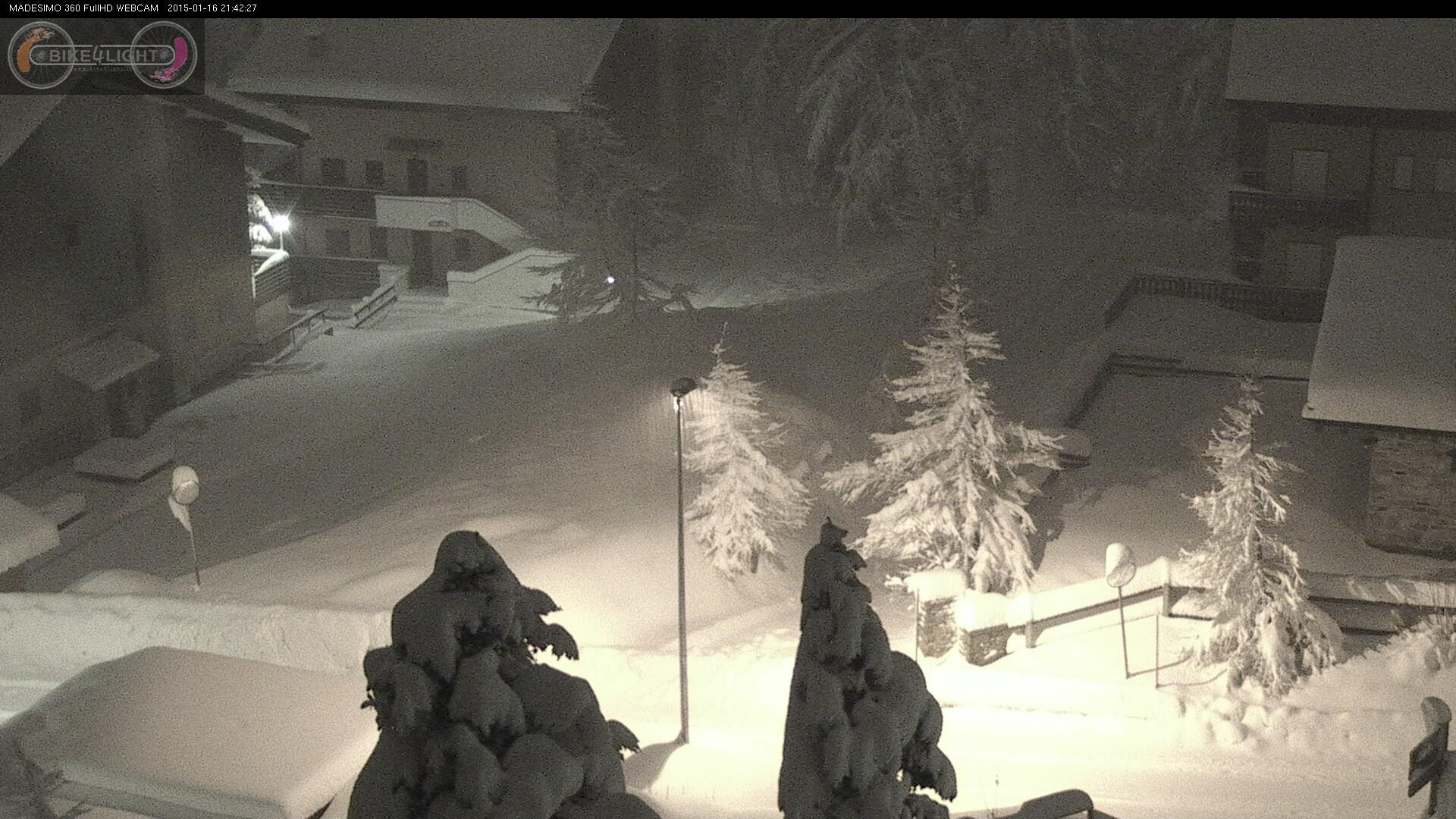 Bufera di neve a Madesimo, guardate quanta!
