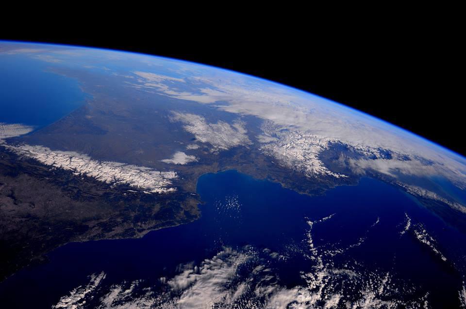 Monumentale scatto fotografico riguardante la Francia, i Pirenei, le Alpi ed il Nord Italia