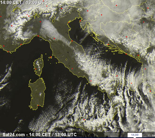 Nevicate da sfondamento in Campania, fiocca in Puglia, Sicilia e Calabria - www.sat24.com