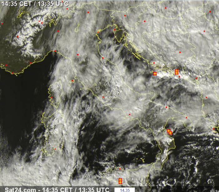 Maltempo sul settore adriatico e al Sud Italia - sat24.com