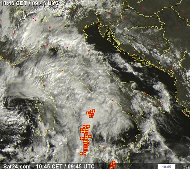 Fronte temporalesco in arrivo da Sud - www.sat24.com