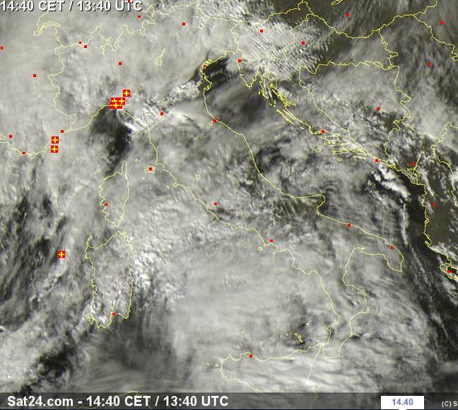 Tempo in atto: temporali sulla Liguria, molte nubi altrove - sat24.com