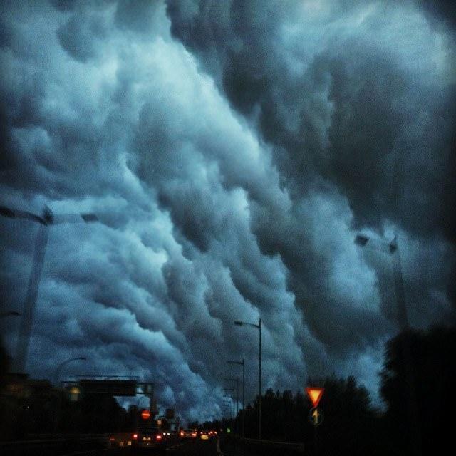 Shelf cloud immortalata da Salvo Mangano