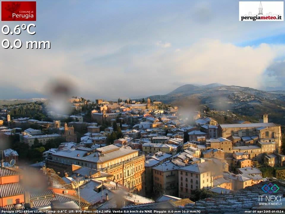 Ecco come si è svegliata Perugia - www.perugiameteo.it