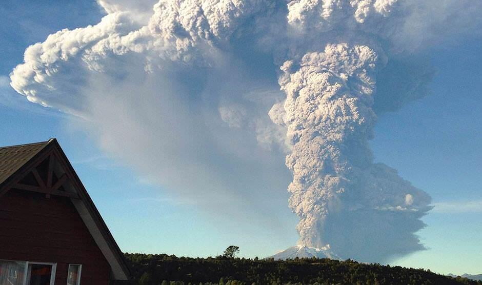 Esplosione del vulcano Calbuco, Cile: boato avvertito a 200 km di distanza, foto impressionanti - Alerta Roja
