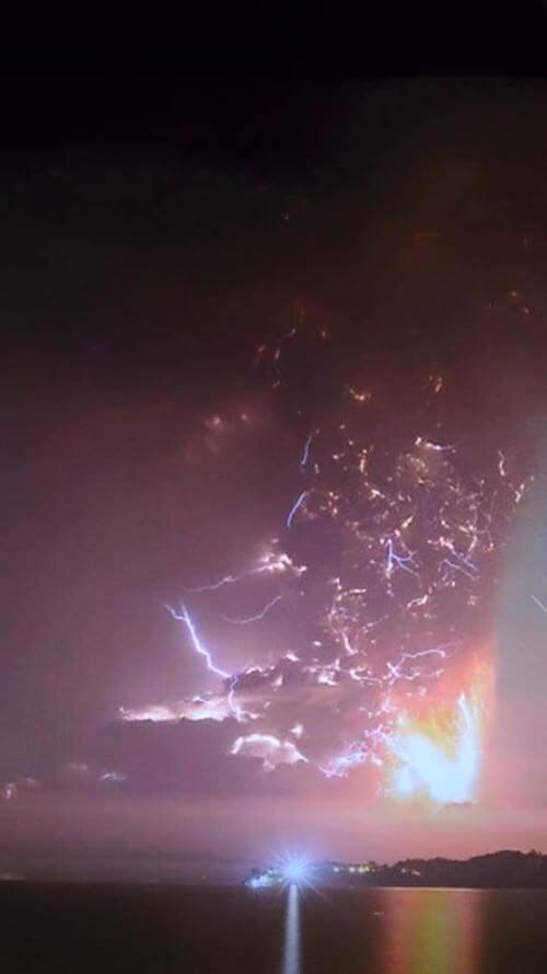 Tempesta di fulmini sul Calbuco