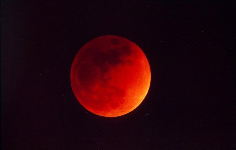 Eclissi di Luna del 4 Aprile 2015, ecco dove e come ammirare lo spettacolo