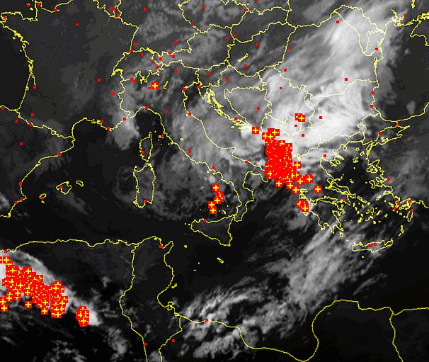Tempesta di fulmini sull'Adriatico - sat24.com