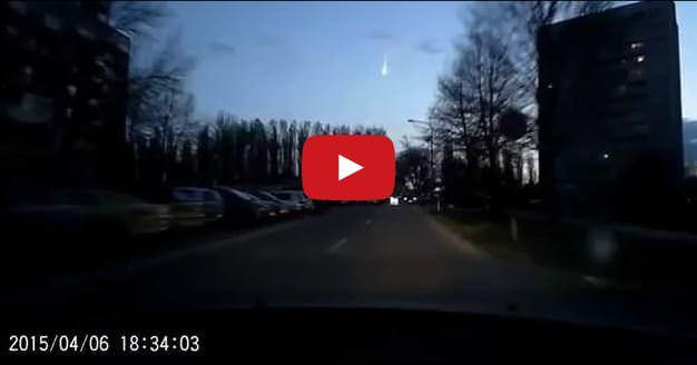 Meteorite sorvola i cieli della Slovacchia, il video - Youtube