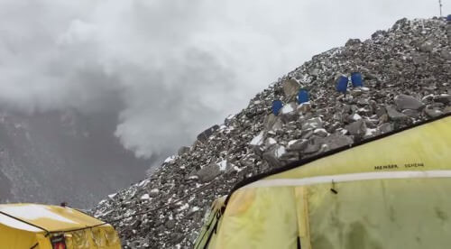 Valanga sull'Everest in occasione del secondo terremoto in Nepal: video tremendo - Youtube