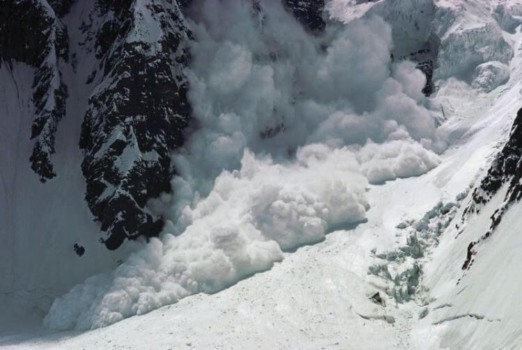 Valanga in Val Martello, almeno quattro le vittime