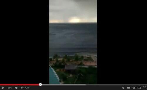 Il mare si ritira di decine di metri a Puerto Vallarta, Messico: il video - Youtube