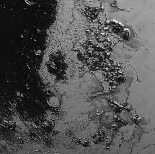 New Horizons: scoperta una seconda catena montuosa su Plutone - NASA