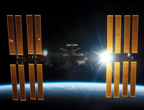 Stazione Spaziale Internazionale: astronauti nella ISS a causa di un possibile detrito spaziale in arrivo