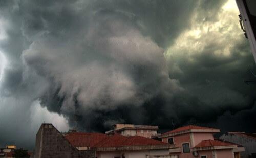 Temporali Italia: maltempo a fine mese, ma attenzione ai fenomeni di calore durante la settimana