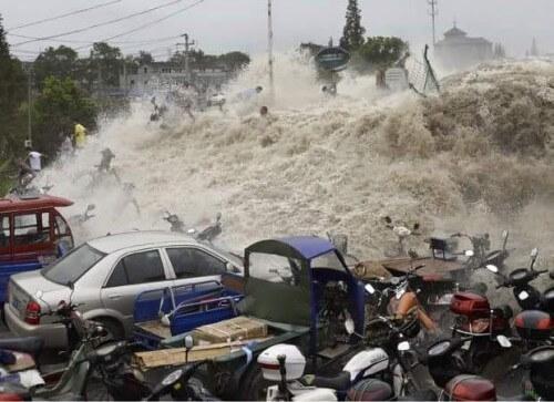 Tifone Chan-Hom sulla Cina, eccezionali immagini delle onde di tempesta a Nord di Shangai - Alertaroja
