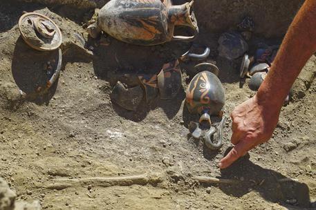 Scoperta tomba intatta a Pompei
