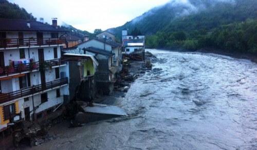 Alluvione in Emilia-Romagna, abitazioni crollate e danni
