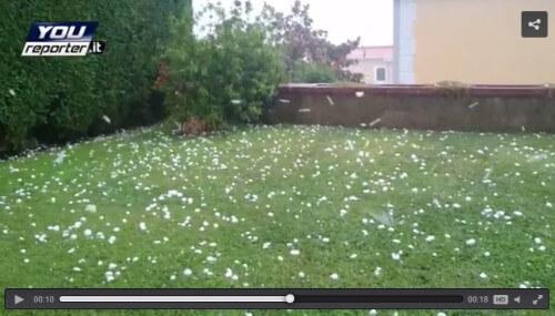 Eccezionale tempesta di grandine a Napoli, video sbalorditivo