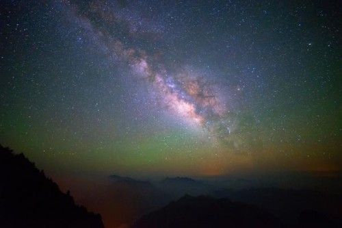 Ecco che suono fanno le stelle nell'universo