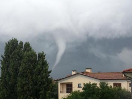 tornado vada rosignano solvay toscana 23 settembre