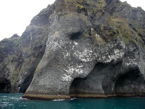 rock-formation-elephant-heimaey