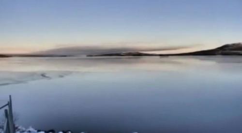 lago-ricoperto-dal-ghiaccio