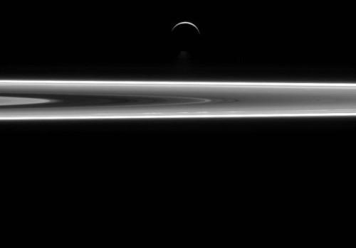 encelado anelli di saturno