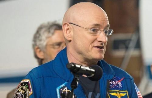 astronauta scott kelly e' piu' alto