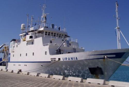 nave oceanografica urania