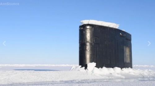 sottomarino al circolo polare artico